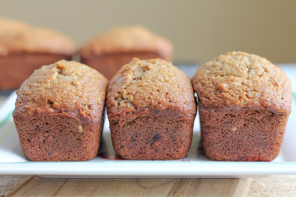 Mini Apple Spice Breads_main | HipFoodieMom.com