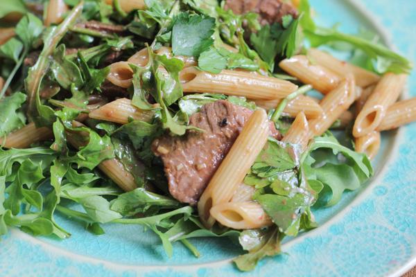 Penne Salad with Beef and Arugula_closeup | HipFoodieMom.com