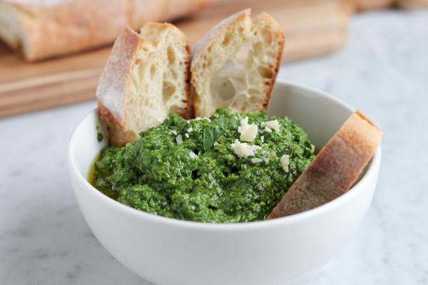 Spinach Pesto_main | HipFoodieMom.com