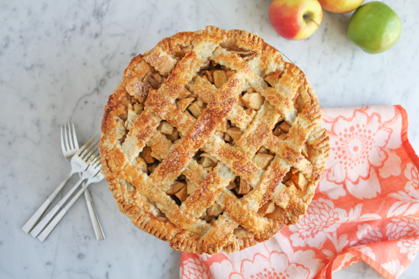 Lattice Top Apple Pie_main2 | HipFoodieMom.com