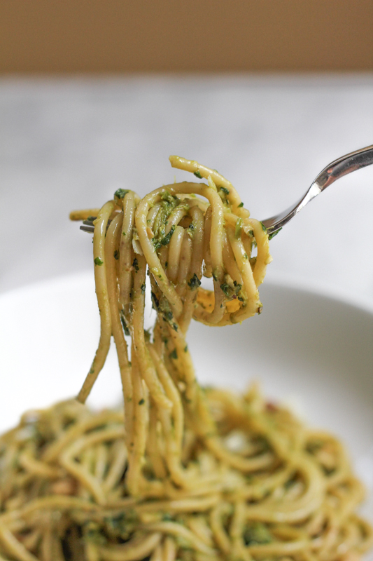 Spaghetti with Asparagus Pesto and Walnuts_bite