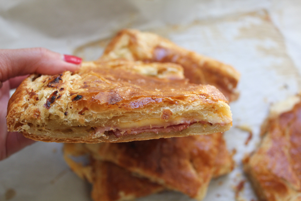Baked Ham and Cheese Tart. Flaky, cheesy and everything right. Perfect for brunch, lunch or a quick and easy snack!