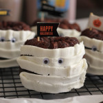 Chocolate Cinnamon Mini Mummy Bundt Cakes