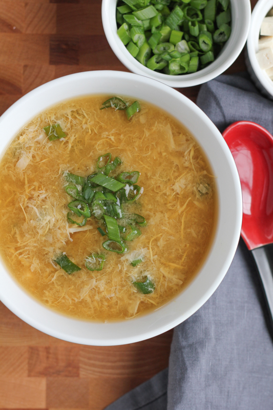 Make Chinese Egg Drop Soup at home! It's seriously so easy to make and delicious! You'll never have to go out or order from a restaurant again. #chinesefood #eggdropsoup #comfortfood #asianfood