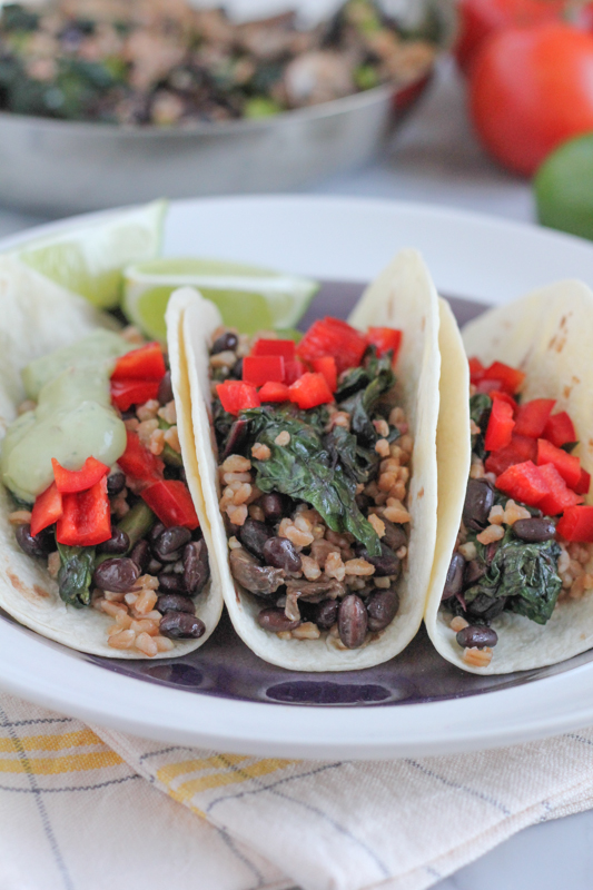 Shake up Taco Tuesdays with these hearty and delicious Vegetarian Farro Soft Tacos with Avocado Crema!! Delicious!! #vegetarian #tacos