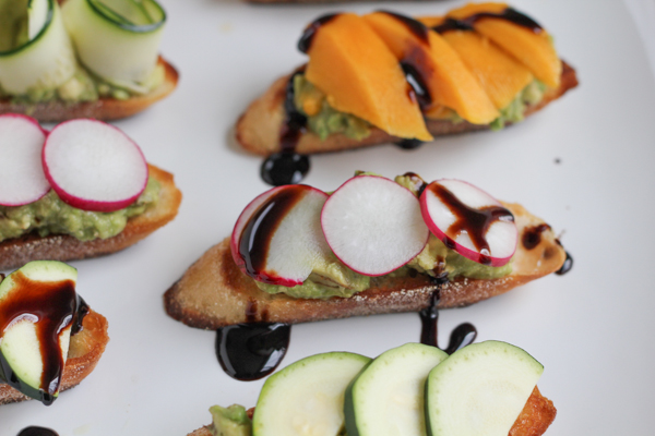 Looking for a delicious and QUICK appetizer? Try my Avocado Crostini. . three ways! #crostini #spring #appetizer