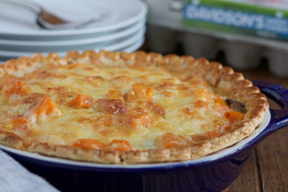 Butternut Squash and Kale Quiche!!! Celebrate the flavors of fall with this delicious and savory quiche! Packed with roasted butternut squash, kale and gruyere cheese!