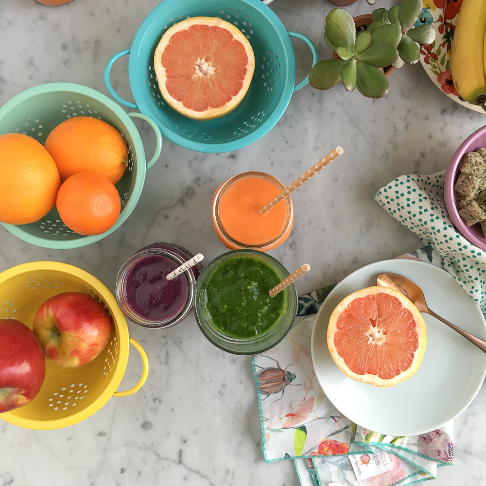 Healthy Breakfast Smoothies! Start off your day right with a refreshing, delicious, quick and easy smoothie!