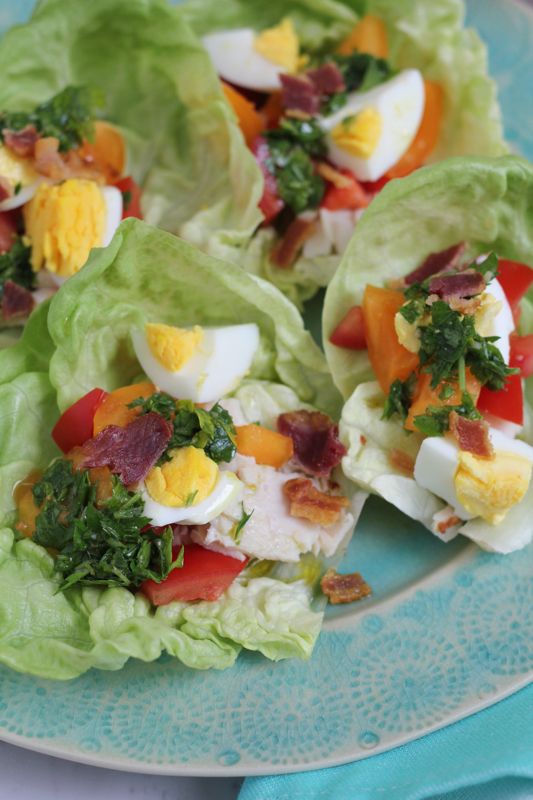 Healthy Weekly Meal Plan 8.13.16! A healthy weekly meal plan featuring Summer flatbread, Cobb Salad Lettuce Wraps, a Thai black bean veggie burger and more!