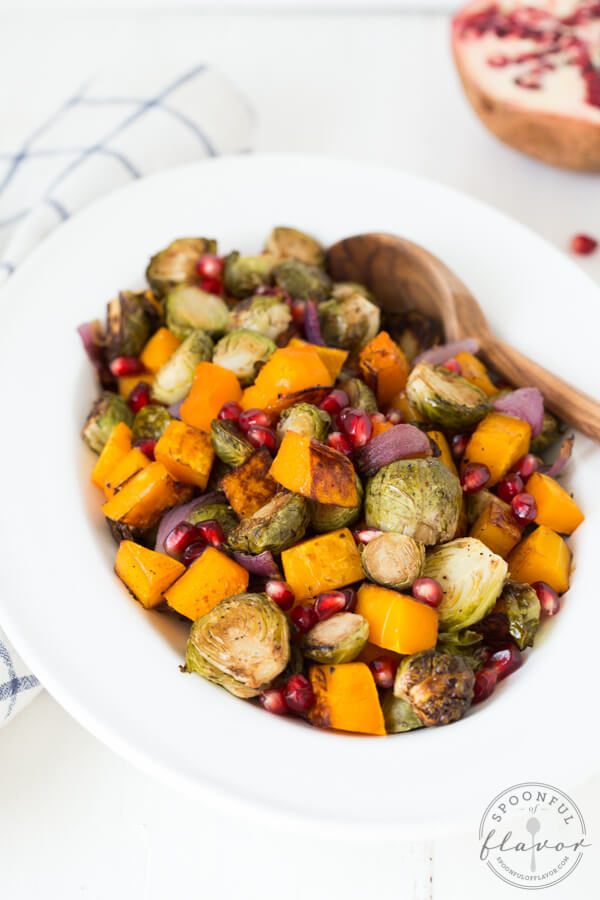Healthy Weekly Meal Plan 11.19.16! A healthy weekly meal plan featuring Butternut Squash Lentil Coconut Curry Soup, Balsamic Roasted Butternut Squash and Brussels Sprouts with Pomegranate, a Warm Artichoke Salad and more!