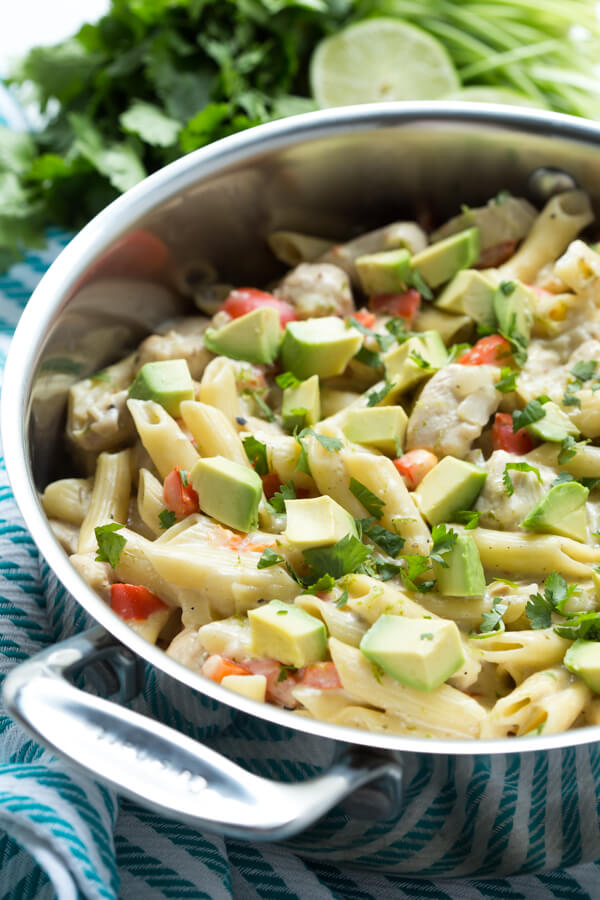 Healthy Weekly Meal Plan 3.11.17 featuring Shaved Asparagus and Pesto Pizza, One Pot Salsa Verde Chicken Pasta, a Cheesy Quinoa and Bacon Casserole and more!