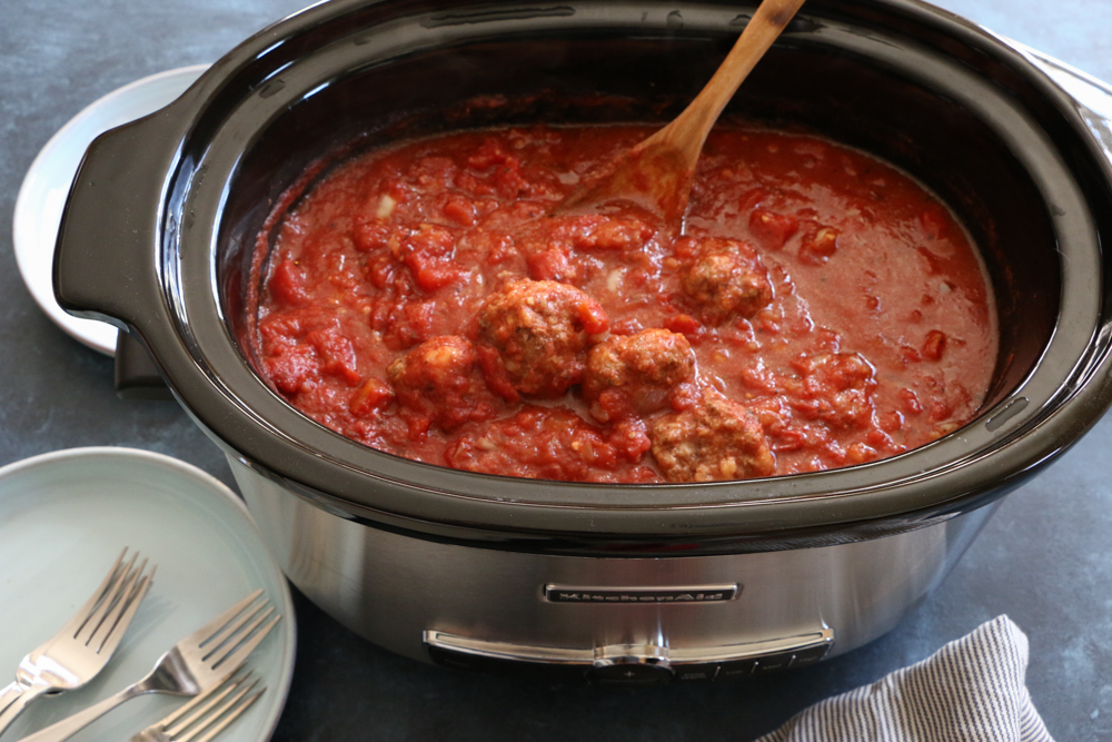 How to Make Slow Cooker Spaghetti and Meatballs