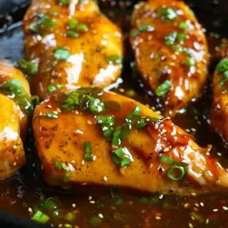 The Best Baked Honey Soy Chicken recipe ever! This recipe is so easy and delicious! This will be the chicken recipe you make over and over again! Use this for salads, on top of rice, in tacos or lettuce wraps!