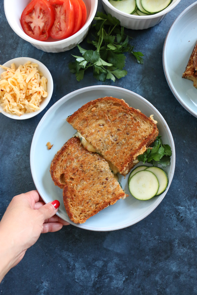 Havarti Chipotle and Gouda Grilled Cheese made with Roth Cheese. Rich in flavor, creamy and just the right blend of cheeses to give you one of the best tasting grilled cheese sandwiches ever! I hope you try this!