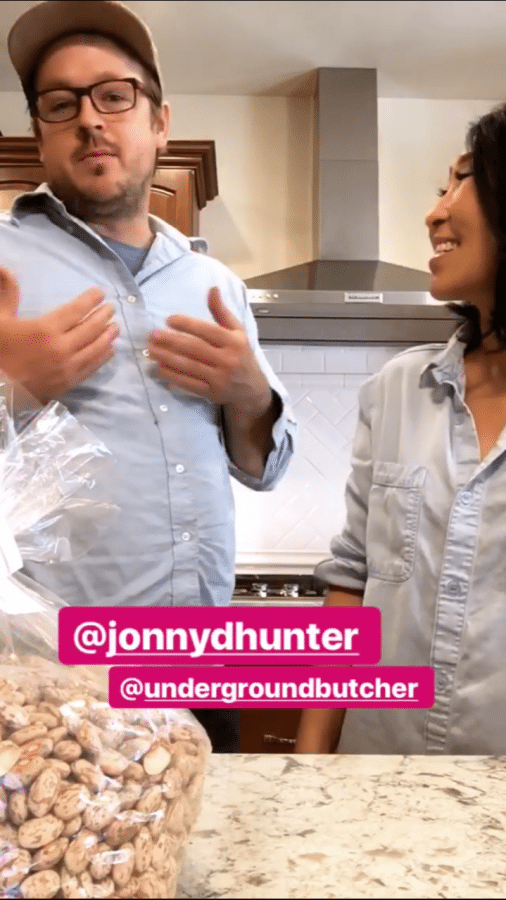 Cooking with Jonny Hunter! Today, we show you how to make a delicious broccoli and sausage pizza and rice and beans in a pressure cooker!