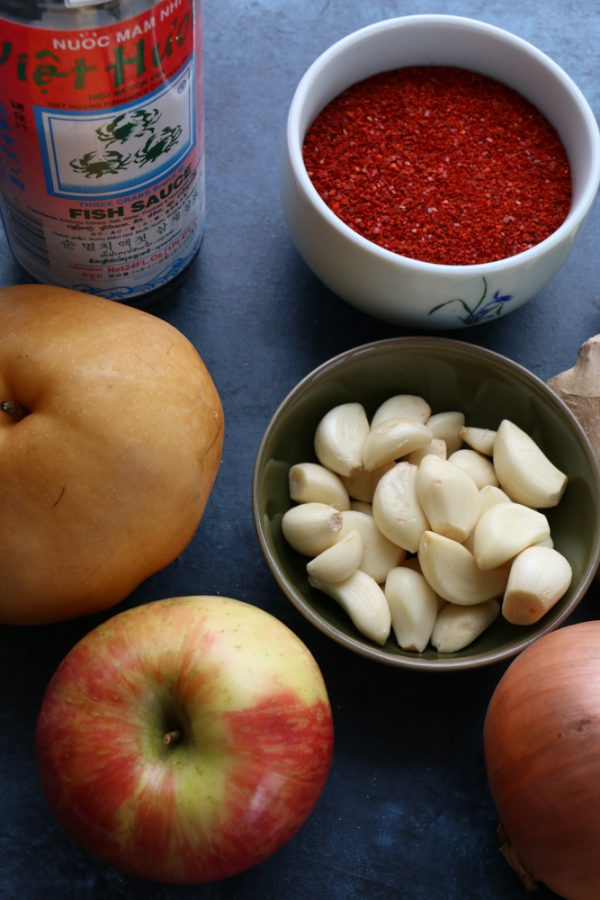 ingredients to make naturally sweetened vegan kimchi recipe