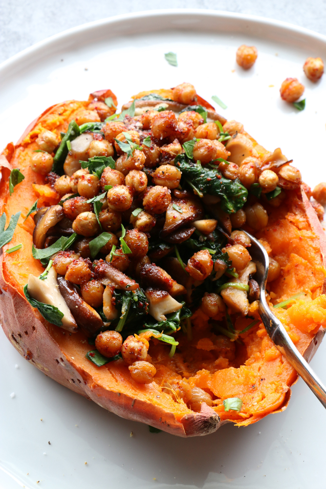 Baked Sweet Potato with Kale and Crispy Chickpeas. Delicious and packed with so much flavor! You will love it!