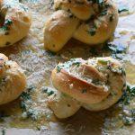 How To Make Parmesan Garlic Knots