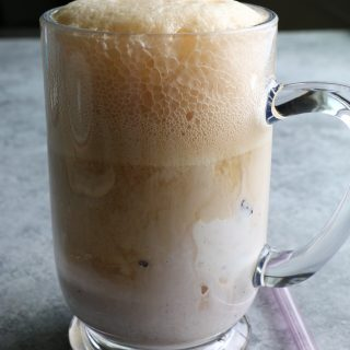 Classic Root Beer Floats!! I haven't had a root beer float in ages! It's time to take it back to the easy, simple classics. So good!