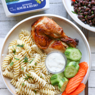 Customizable lunch bowls!! Just in time for the school year. I'm showing two of our favorite lunch bowls: a cilantro lime rice with black beans and a buttery pasta with rotisserie chicken. So good! We hope you give these a try.