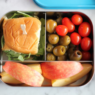 Back to School Lunches! It's that time of the year again! Let me help you take the guess work out of packing lunch for your kids.