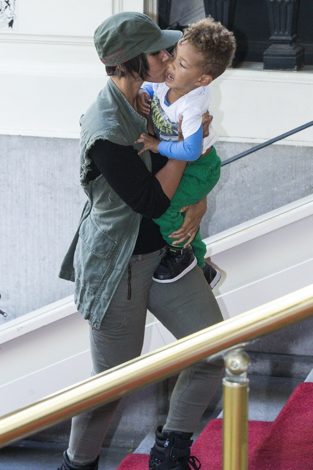 Alicia Keys hops on a bike with her son Egypt in tow for some sight-seeing in Amsterdam