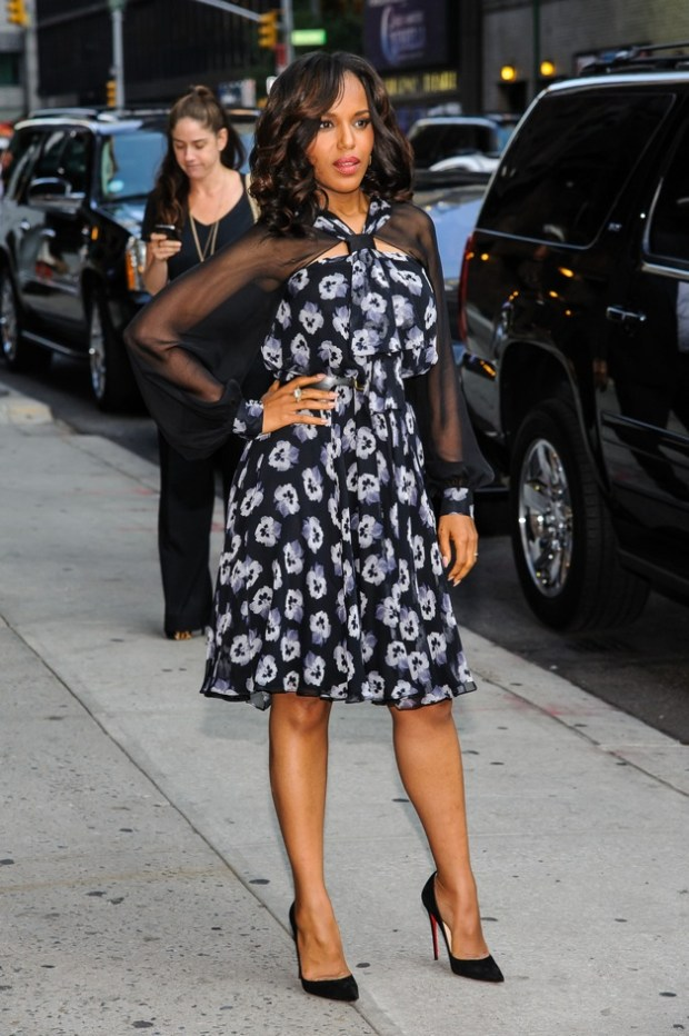 Kerry Washington poses as she visits 'The Late Show with David Letterman' show in New York City