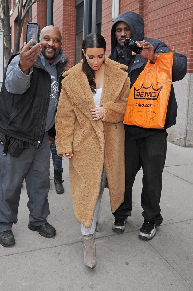 Kim Kardashian shops at 'Saks Fifth Avenue' in new York City