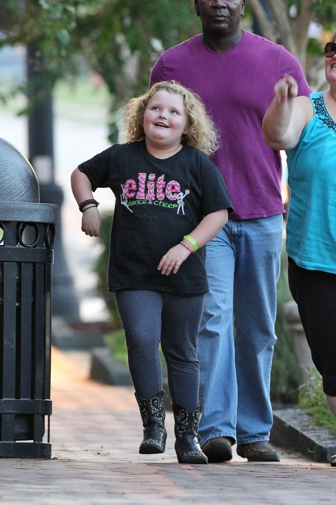 EXCLUSIVE: 'Mama' June Shannon brings her kids Alana 'Honey Boo Boo', Lauryn and Jessica Shannon to a mexican restaurant after a day playing paintball