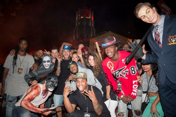 Chris Brown-Karrueche Tran-friends at HHN 10-4-14
