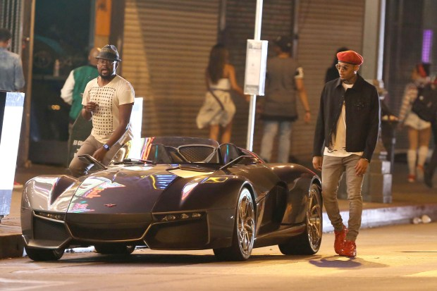 140928, Chris Brown seen filming his new single 'Liquor' in Los Angeles. Los Angeles, California - Wednesday, August 5, 2015. Photograph: Miguel Aguilar, © PacificCoastNews. Los Angeles Office: +1 310.822.0419 sales@pacificcoastnews.com FEE MUST BE AGREED PRIOR TO USAGE