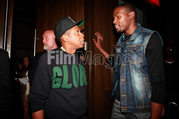 cbdcaec84bc0 Kevin Durant Expected To Sign With Jay-Z s Roc Nation Sports  Video ...
