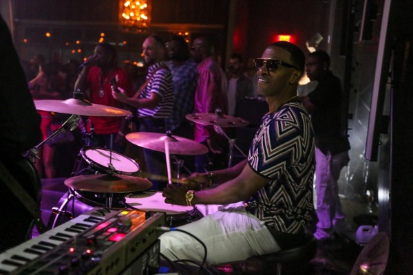 Jamie Foxx Drumming With The Sayers Band