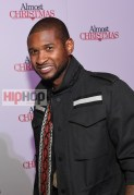 "ATLANTA, GA - OCTOBER 26: Usher Raymond attends ""Almost Christmas"" Atlanta screening at Regal Cinemas Atlantic Station Stadium 16 on October 26, 2016 in Atlanta, Georgia. (Photo by Paras Griffin/Getty Images for Universal Pictures)"