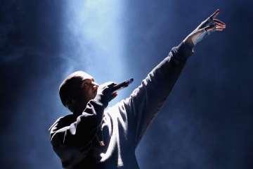 """Kanye West voulait utiliser le mot """"ni**a"""" dans chacun des titres de Watch The Throne"""