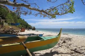 Verlaten baaitjes op Siquijor Filipijnen