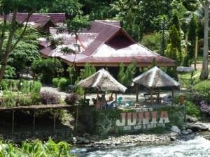 Junia-hotel-Bukit-Lawang-Sumatra