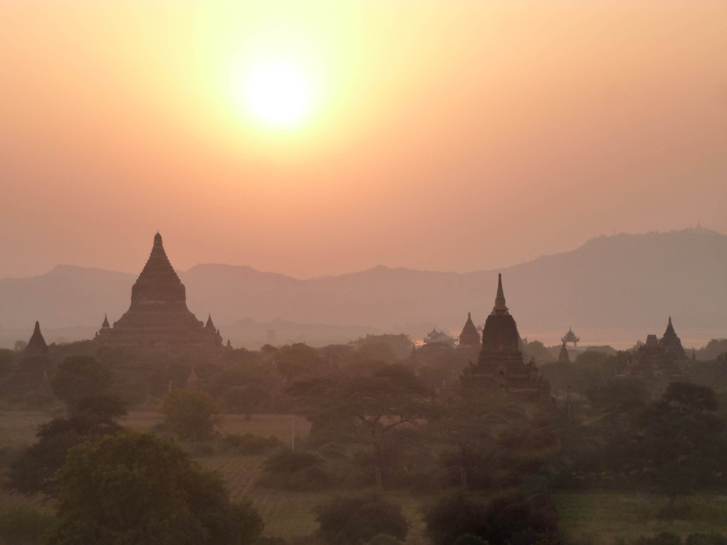 Zonsondergang in Bagan Myanmar
