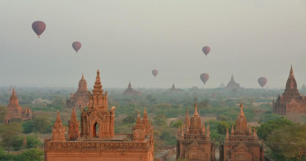 Luchtballonnen Bagan Myanmar