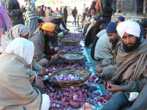 Eten met de pilgrims in Amritsar India