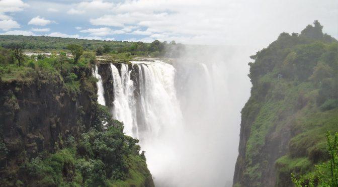 Vanuit Botswana de Victoria Falls bezoeken