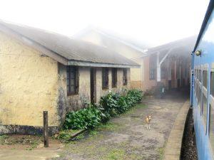 Trein Kandy - Ella in slecht weer Sri Lanka