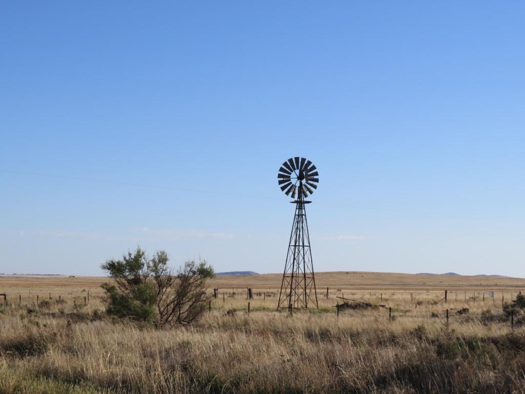 Windmill-outback-Austalia