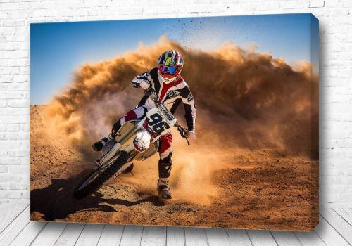 Постер Мотогонщик на повороте