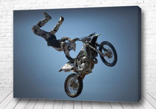 Постер Трюк на мотоцикле