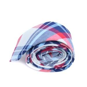 Gekleurde stropdas met ruit als patroon.