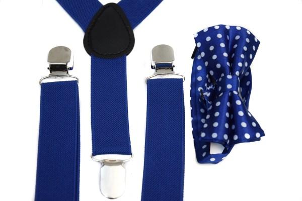 Blauwe bretels en een blauwe vlinderstrik met witte stippen voor kinderen.