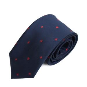 Blauwe stropdas met de figuren van kaarten als opdruk: harten, ruiten, schoppen en klaver.