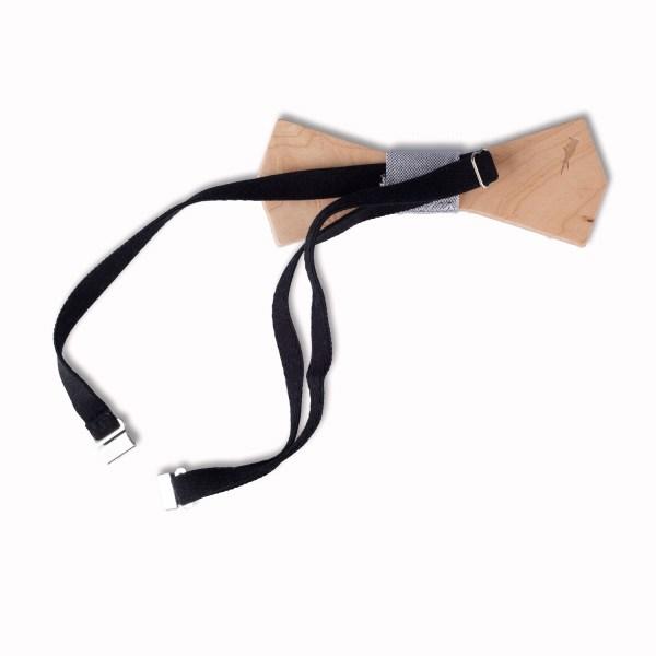 Licht houten strik in set met pochet en broche.