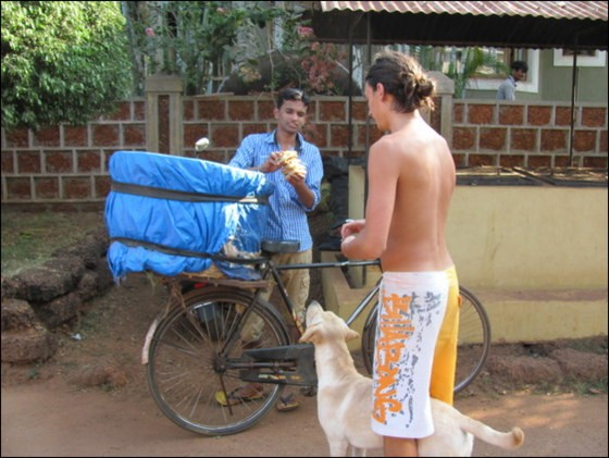 bike bread delivery india